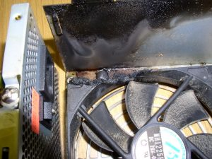Блок питания ПК после броска напряжения в сети. Фото2.