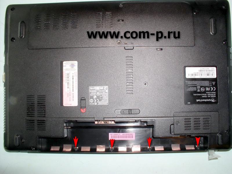 Packard Bell EasyNote TK. Винты в аккумуляторном отсеке.